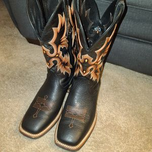 Ariat Tombstone Square Toe Boots Black 10 for Sale in Nashville, TN