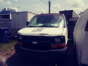 2003 Chevy 2500 Express parts or best offer not running for Sale in Tampa, FL