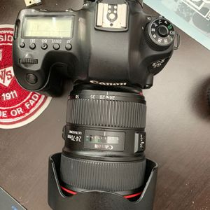 Canon 24-70mm usm ii 2.8 for Sale in Hercules, CA