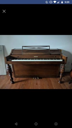 Baldwin Acrosonic spinet piano 1973 in good condition, walnut. Comes with bench. for Sale in Oakton, VA