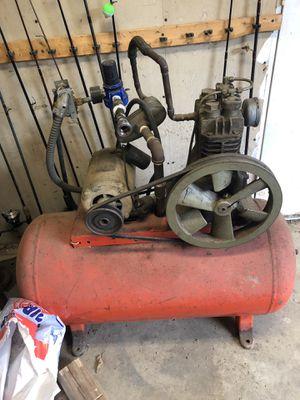 40 gallon air compressor for Sale in Butler, PA