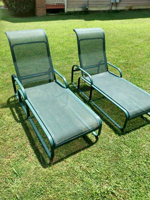 Lot of 2 green lounge outdoor chairs 75.00 for Sale in College Park, GA