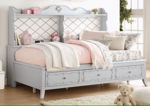 Edalene Gray Twin Daybed for Sale in Bakersfield, CA