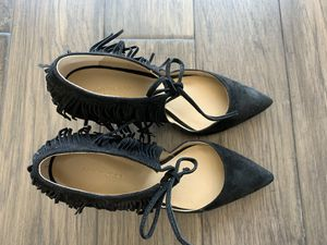 Ann Taylor Leather Black Fringe Heels Sz 6.5 for Sale in Houston, TX