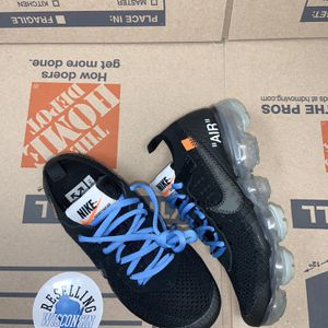 Off white Vapormax size 4 for Sale in Milwaukee, WI