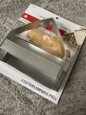 Gingerbread House Cutter Set-New,Unopened,Unused-3 piece set & recipe for Sale in Happy Valley, OR
