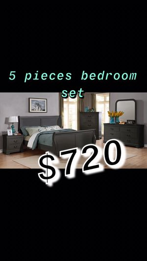Bedroom set complete!! Delivery available for Sale in Johnston, RI