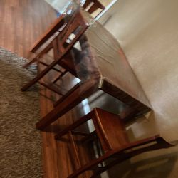 Dining  Table  for Sale in Selma, CA