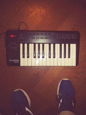 Alesis QX 25 Midi Keyboard for Sale in Vallejo, CA