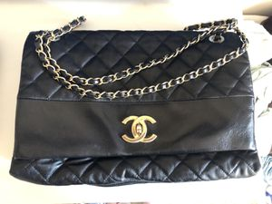 Unique Chanel Black Flap Bag-Jumbo Size for Sale in Los Angeles, CA