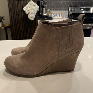 Dolce Vita Beige Suede Wedge Booties (Size 10) for Sale in Philadelphia, PA