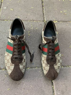 Men's Gucci shoes size 9D for Sale in Fresno, CA