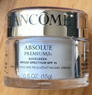 LANCOME ABSOLUE ANTI AGING DAY CREAM for Sale in Marysville, WA