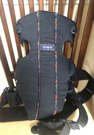 Baby Bjorn carrier for Sale in Clarksville, MD