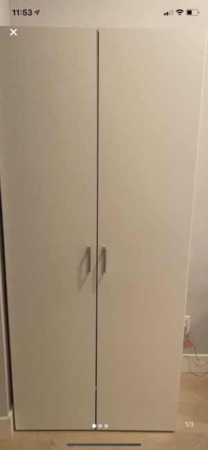 Wardrobe Closet for Sale in Beverly Hills, CA