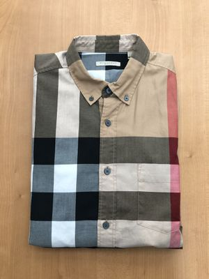 Burberry Check Cotton Flannel Shirt (Size Medium) for Sale in Mableton, GA