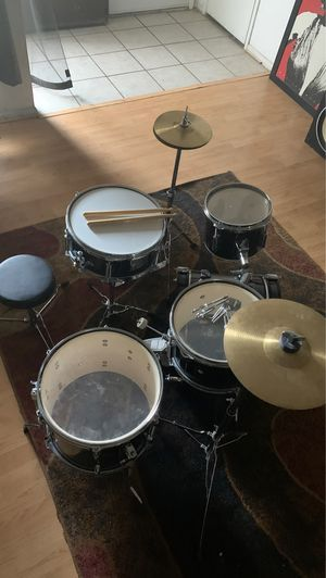 Ludwig kids drum set. $300 or better offer. for Sale in Industry, CA