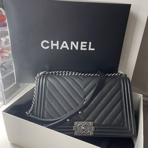 100 % Authentic Chanel, New Medium Boy Bag for Sale in Miami, FL