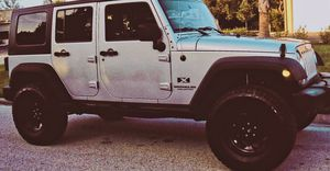 JEEP WRANGLER 07 // UNLIMITED X EDITION *SILVER* GREAT CAR for Sale in Grand Rapids, MI