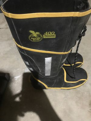Rain boots for Sale in Banning, CA
