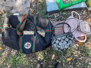 Authentic gucci duffle bag and 2 coach purses for Sale in Mooresville, IN