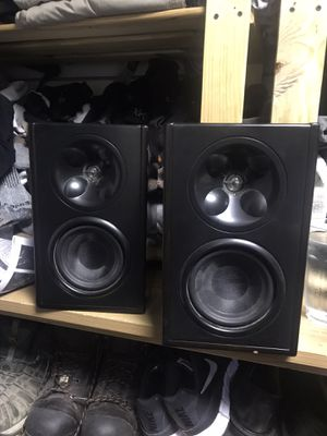 Klipsch Pair of Bookshelf speakers for Sale in Roselle Park, NJ