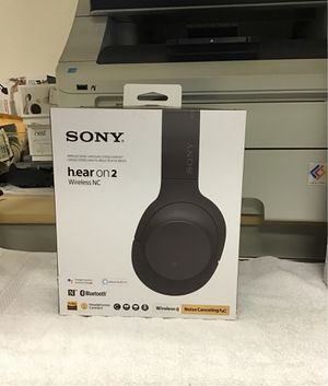 Sony Bluetooth Noise Cancelling Headphones for Sale in Ontario, CA