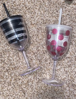 Plastic wine cups for Sale in San Angelo, TX