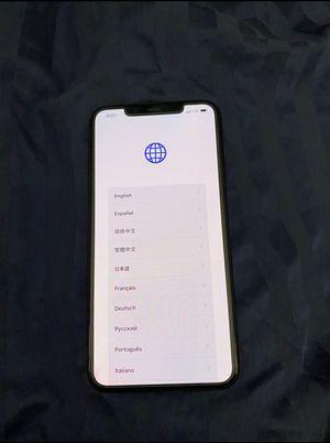iPhone 11 pro black 125 gb for Sale in Manassas, VA