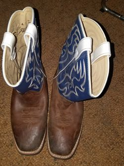 Cow Boy Boots Size 4.5 for Sale in Fort Worth,  TX