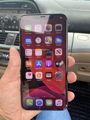 iPhone 11 Pro Max 256 gb small crack bottom left of cell for Sale in Buda, TX