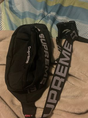 Supreme waist bag for sell!!! for Sale in Accokeek, MD