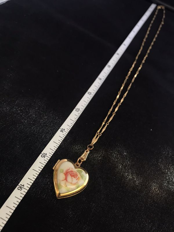 Vintage Gold Heart Locket W/ Rose