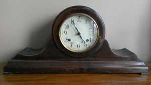Vintage /Antique Mantle Clock for Sale in Painesville, OH