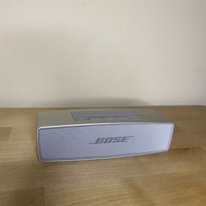 Bose SoundLink Mini II Bluetooth Speaker with case for Sale in Los Angeles, CA