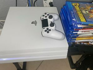 White PS4 PRO with 1TB of memory with 3 games for Sale in Miami Gardens, FL