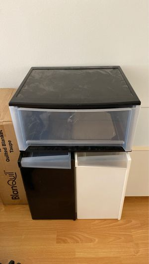 FREE Large Plastic Drawers for Sale in Santa Monica, CA