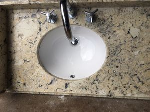 """Granite vanity top with faucet 20x33"""" for Sale in Carol Stream, IL"""