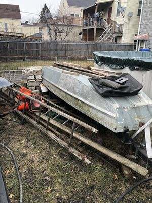 AlumiKraft 16' jon boat with trailer, clean title for both for Sale in Chicago, IL