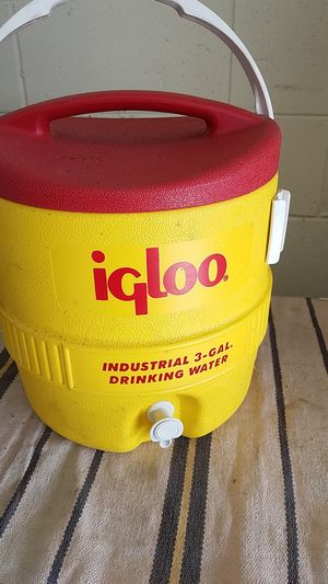 Igloo 3-gallon industrial cooler for Sale in Kissimmee, FL