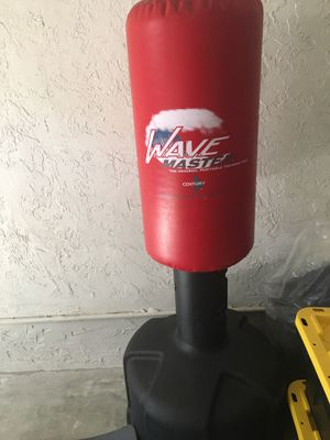 Punching bag (Century Wavemaster) for Sale in Plantation, FL