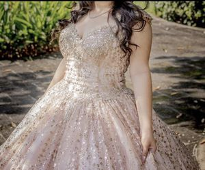 Quince/ sweet 16 dress for Sale in Glendale, AZ