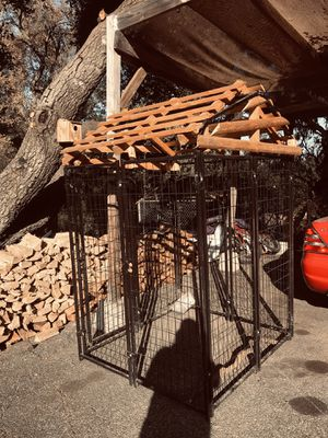 Dog metal kennel with home made wooden roof- like new for Sale in Valley Center, CA