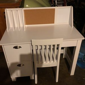 Children's Desk- Never Used for Sale in Signal Hill, CA