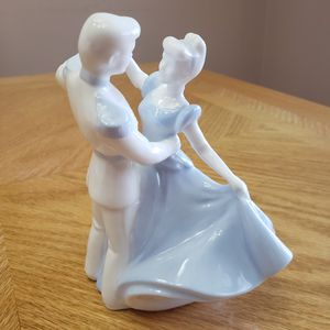 WEDGEWOOD WALT DISNEY CINDERELLA AND THE PRINCE for Sale in Branford, CT