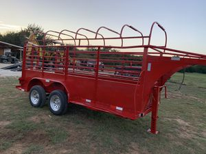 14 ft gooseneck stock trailer with devising gate for Sale in Hockley, TX
