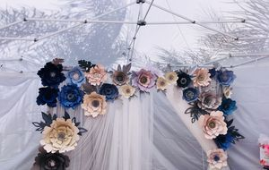 Paper flower backdrop wedding birthday for Sale in San Gabriel, CA