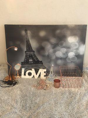 Rose gold/Paris decor set for Sale in Pflugerville, TX