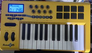 Midi keyboard Axiom25 for Sale in Baltimore, MD