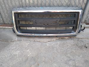 2014 2015 GMC Sierra 1500 OEM front Grille Chrome 22757216 for Sale in Wilmington, CA